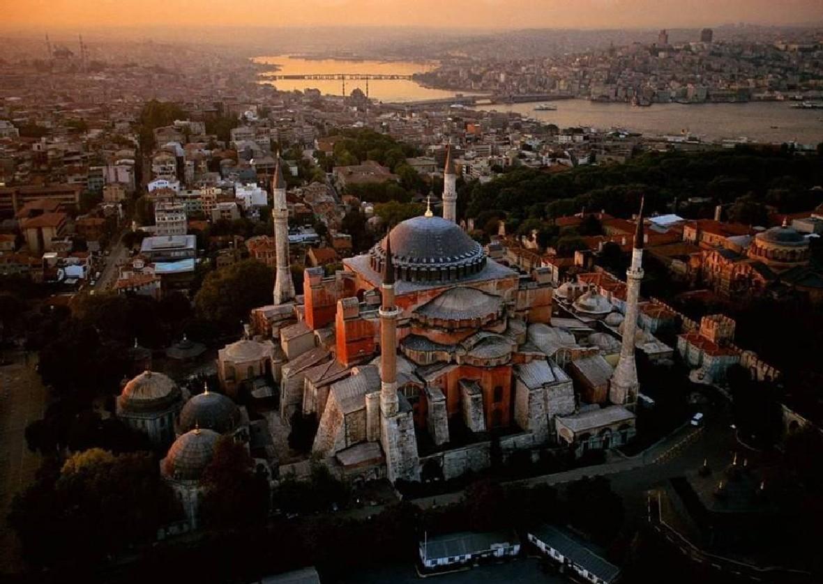 Ayasofya'da 'Serafim Melekleri' figürü ortaya çıktı.