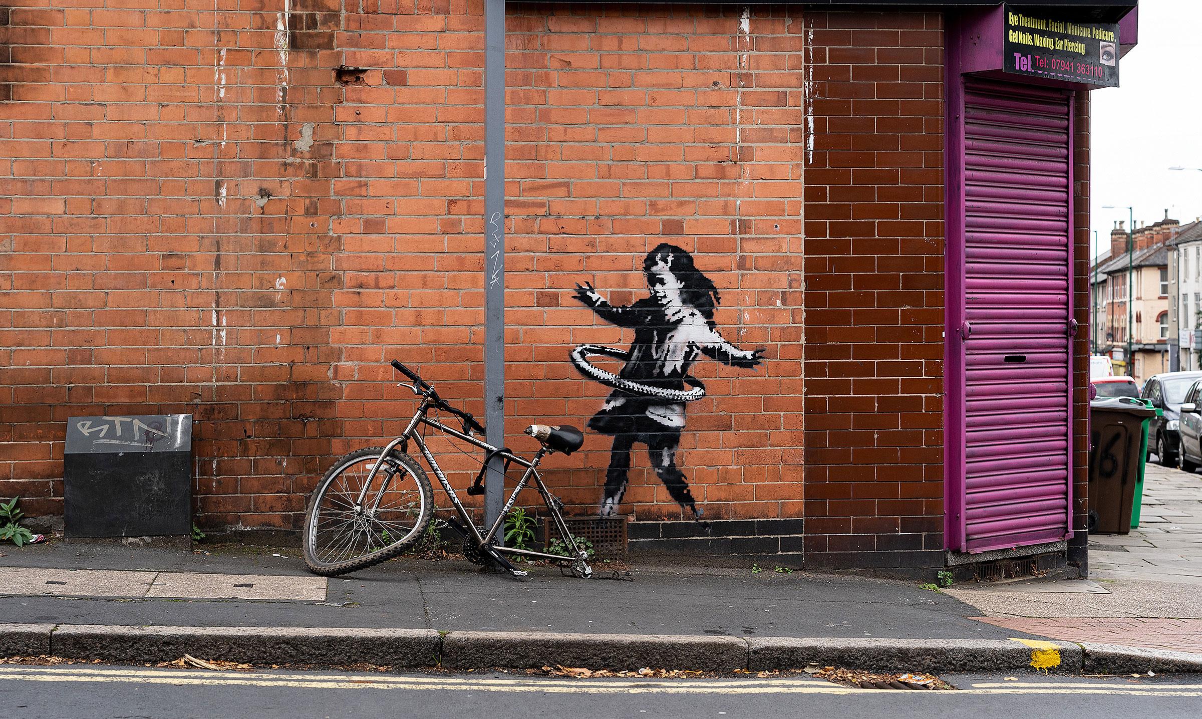 Banksy'nin duvar resmi satıldı.