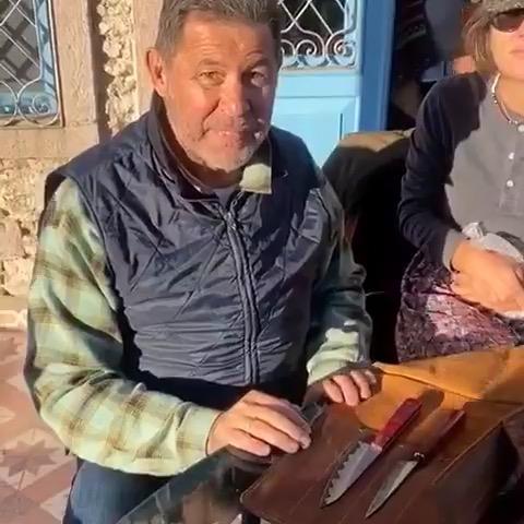 Cem Boyner'den özel tasarım bıçaklarla damat tıraşı