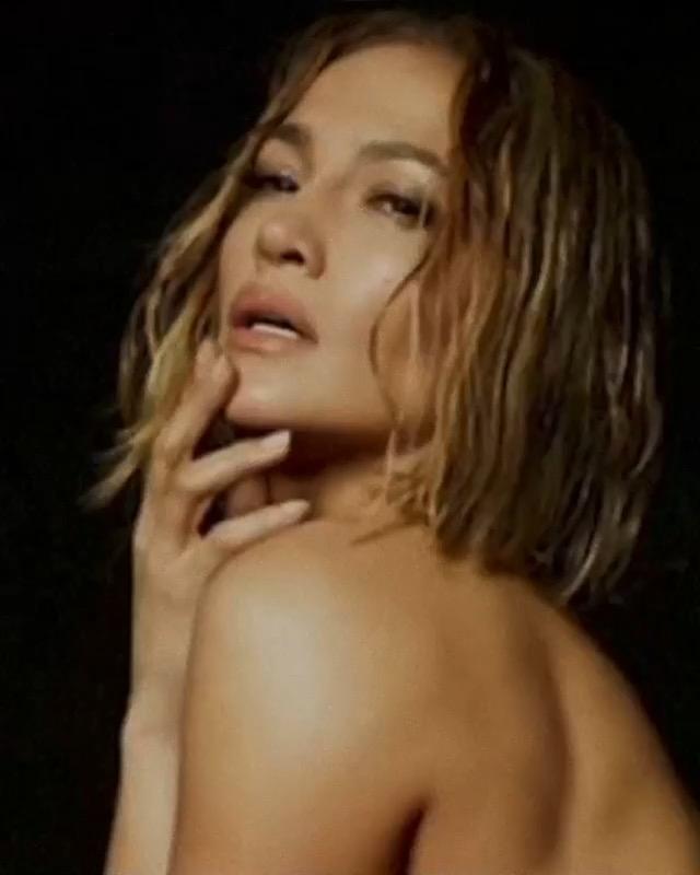 Jennifer Lopez, Türk fotoğrafçı Mert Alaş'a çıplak poz verdi
