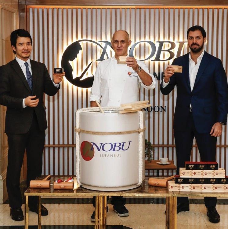 Nobu'nun İstanbul'a gelişi ve yeni yılı Kagami Biraki ile kutladılar