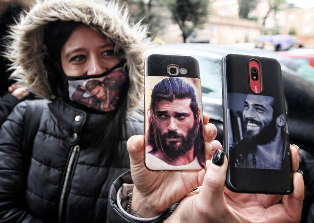 İtalya'da Koronavirüs hatırası! Can Yaman ile selfie.