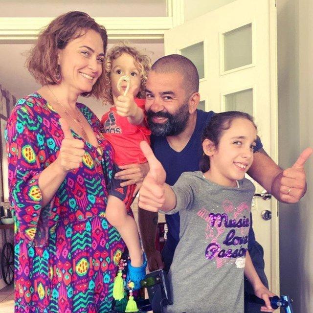 Ceyda Düvenci, kızının regl olmasını kutladı. Eleştirenlere ''Utanmayın, onurlandırın'' dedi