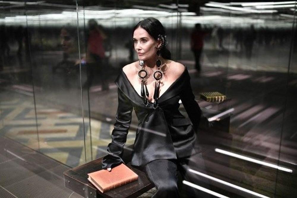 Demi Moore estetik iddialarına fotoğrafla cevap verdi. Makyaj hilesiymiş