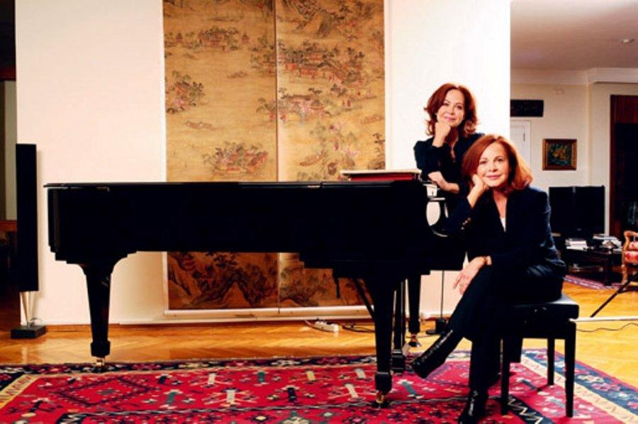 Piyanist Güher ve Süher Pekinel kardeşlere Alman Liyakat Nişanı