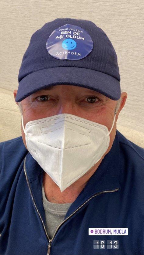 Hamdi Akın, sağlık personeli kontenjanından aşı olmuş.