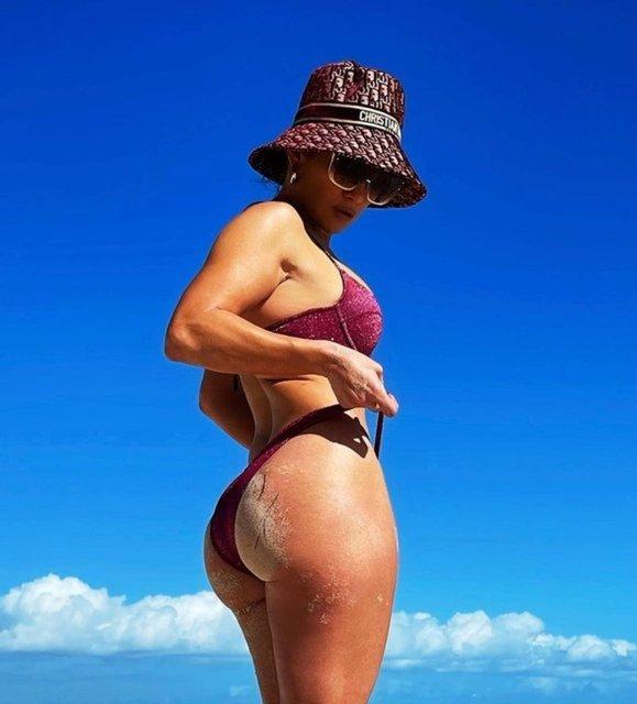 Jennifer Lopez'in Karayip tarzı