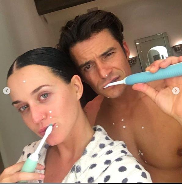 Katy Perry,  Orlando Bloom'un doğum gününü aşk pozlarıyla kutladı