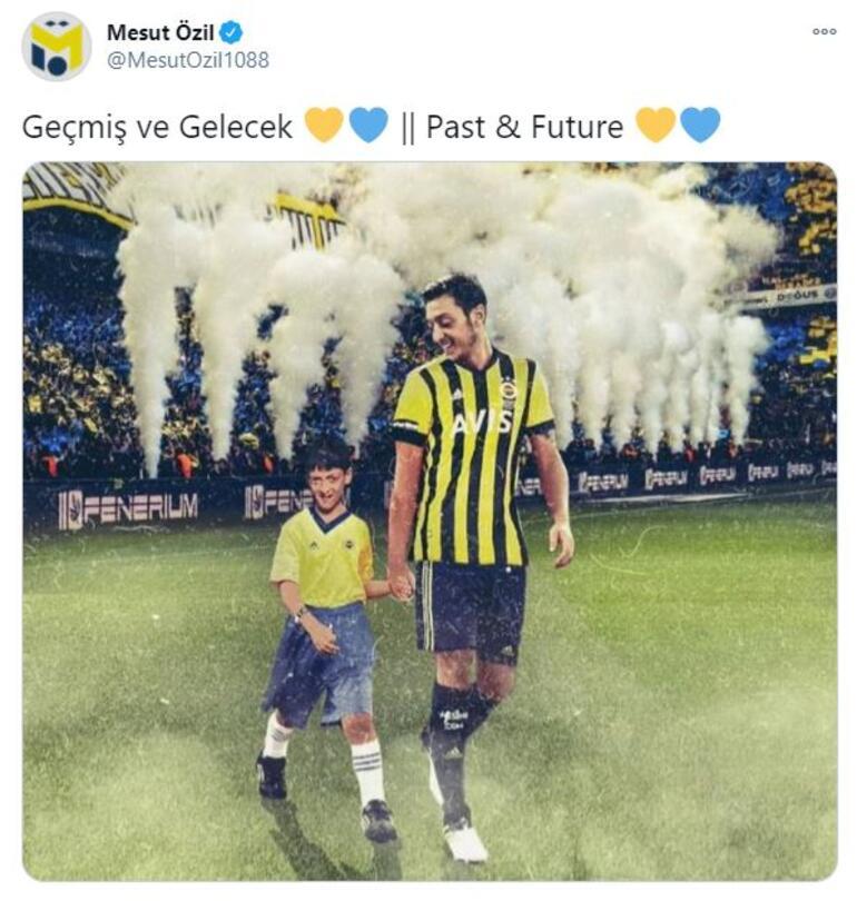 Mesut Özil, Fenerbahçe forması giydiği çocukluk fotoğrafını paylaştı.