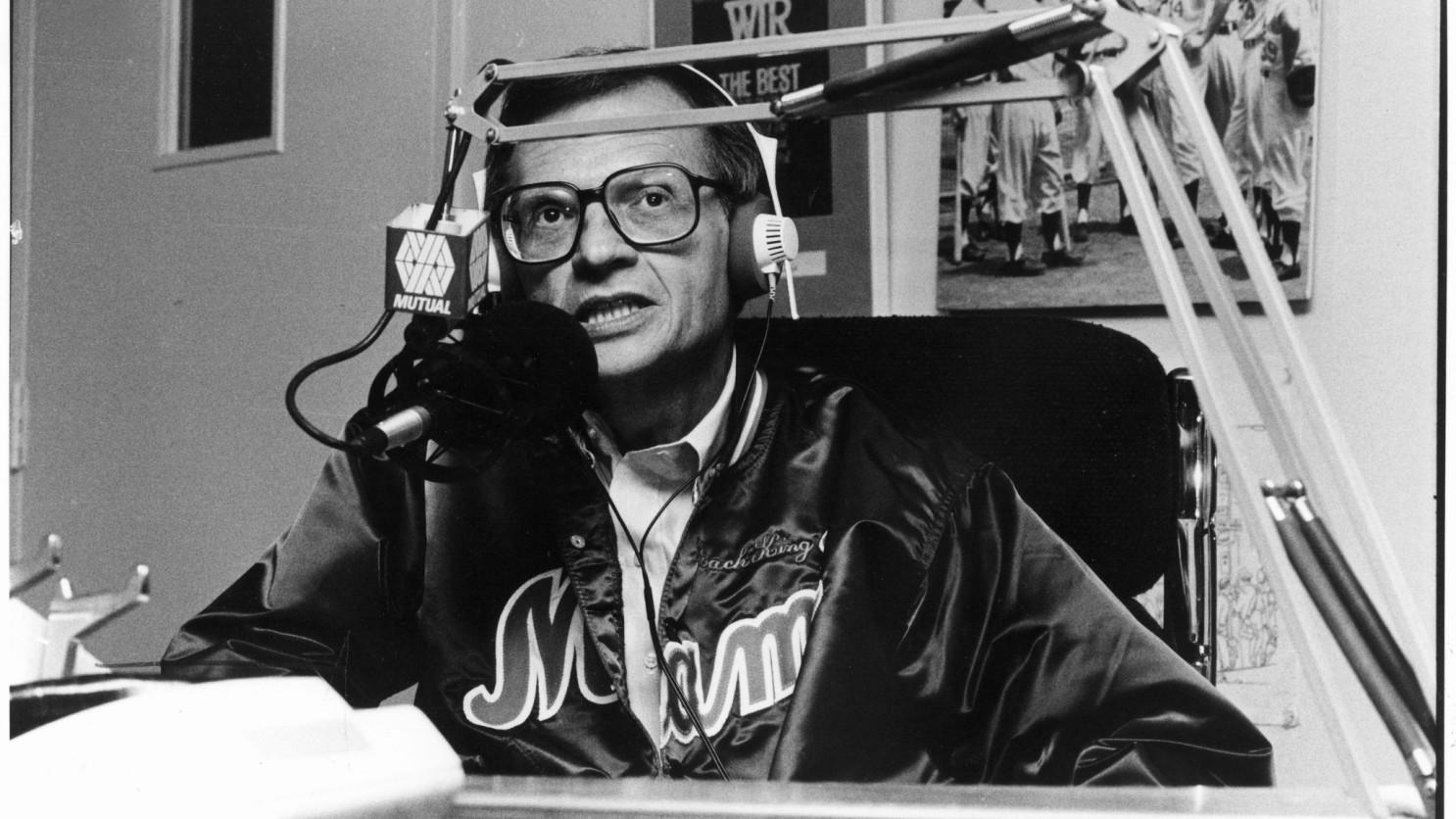 Televizyonun Kral'ı Larry King, Coronavirüs'e yakalandı.