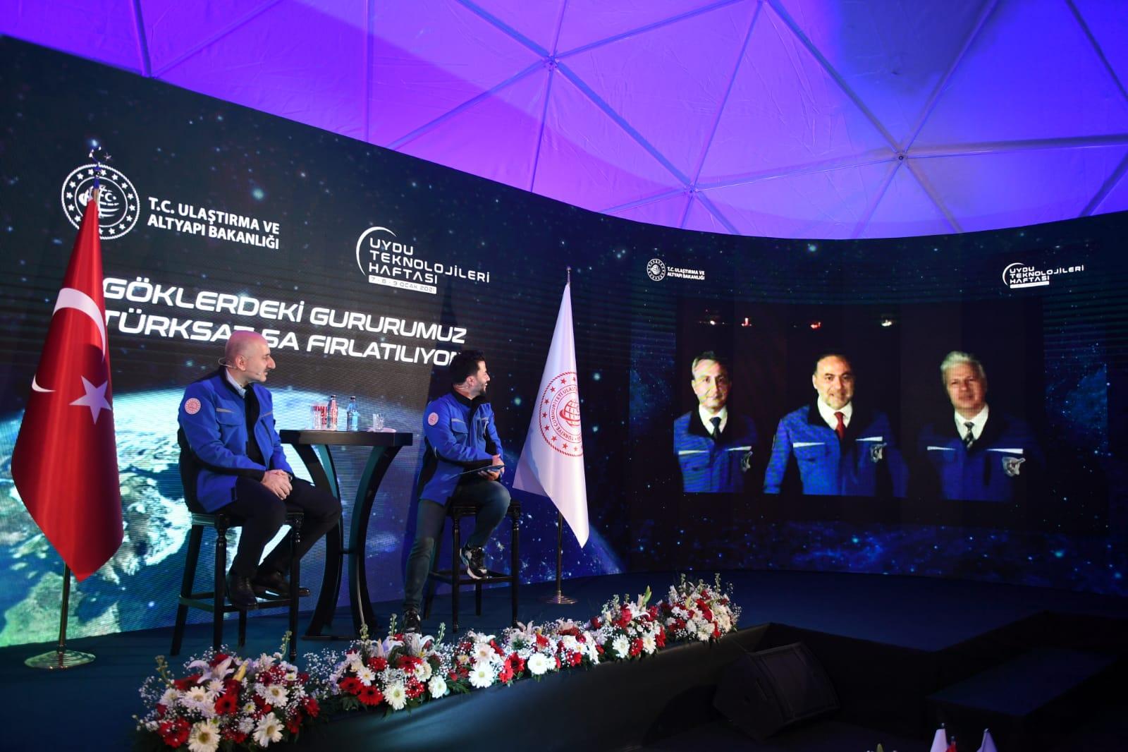 Türkiye'nin yeni uydusu TÜRKSAT 5A uzaya fırlatıldı