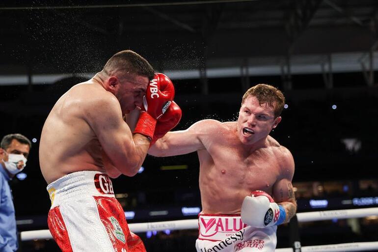 Avni Yıldırım, Meksikalı Saul Alvarez'e mağlup oldu.