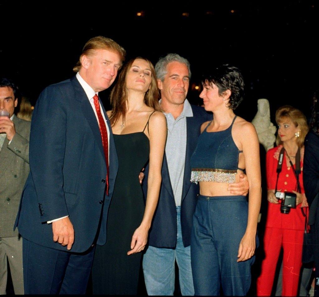 Donald Trump ve Bill Clinton'ın Jeffrey Epstein'da kasetleri olduğu iddia edildi.
