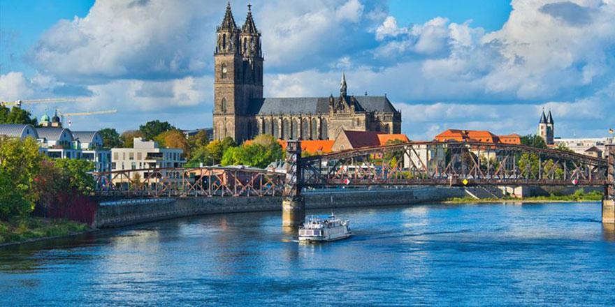 Almanya'daki Katolik Kilisesi, yetim çocukları seks kölesi olarak zenginlere satmış!