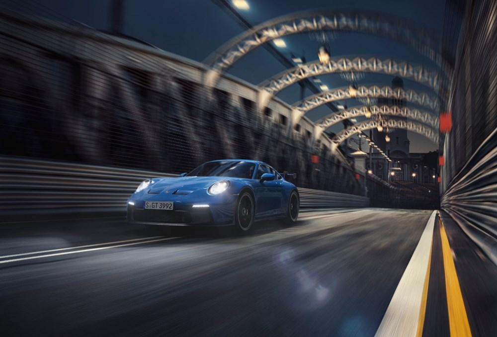 Yeni Porsche 911 GT3, yarış pistlerinden caddelere indi