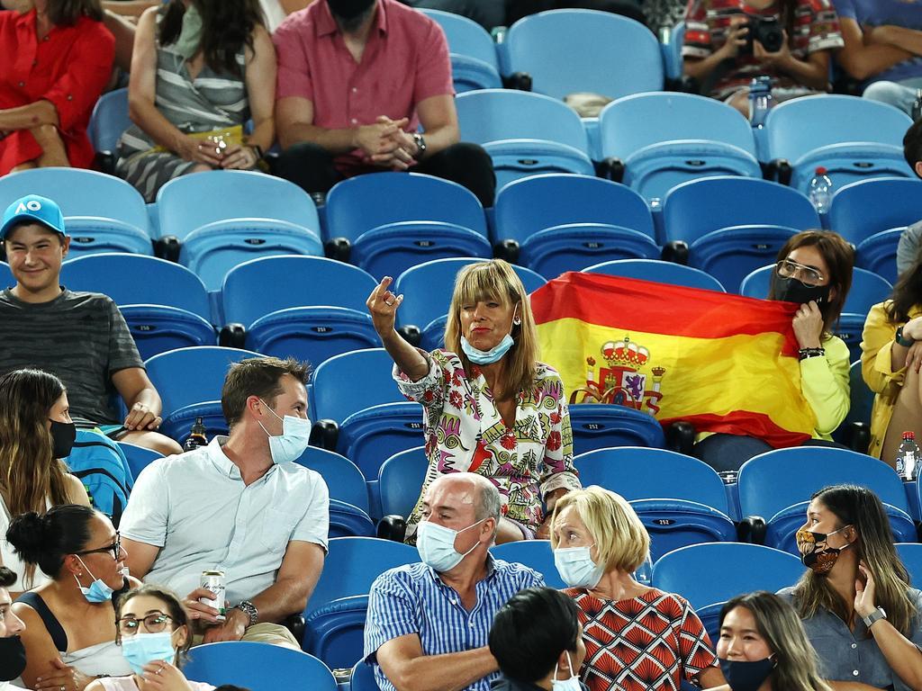 Avustralya Açık'ta Rafael Nadal'a el hareketi