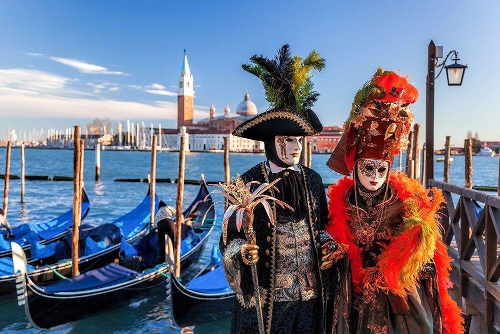 Venedik Karnavalı ikinci kez iptal edildi. Maskeler şekil değiştirdi.