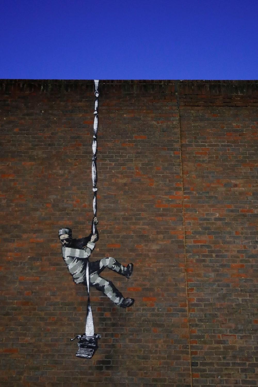 Banksy'den 'hapishaneden kaçış' resmi