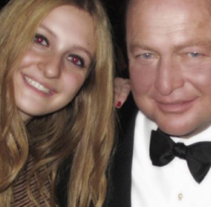 Caroline Koç kızı Esra Koç'un yeni yaşını kutladı...