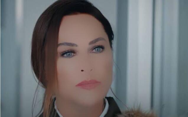 Hülya Avşar'ın abartılı filtresi alay konusu oldu!