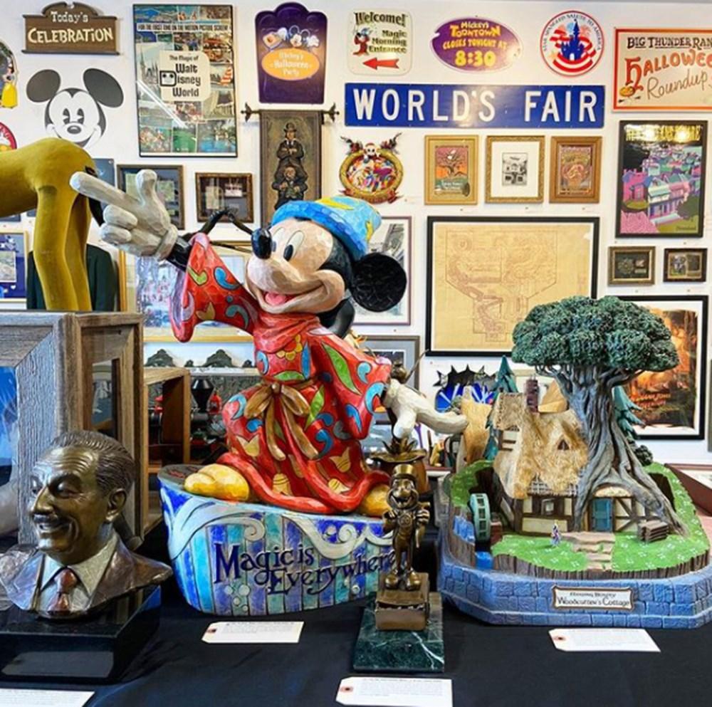 Disneyland'a ait eserler açık artırmada satıldı