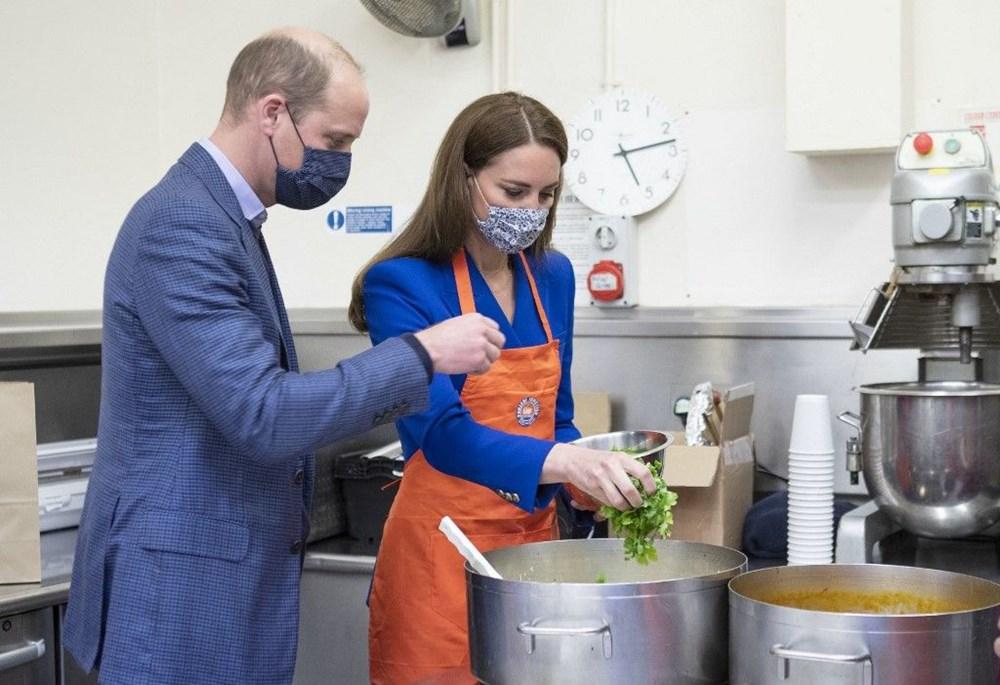 Prens William ve Kate Middleton mutfakta hamur açtı.