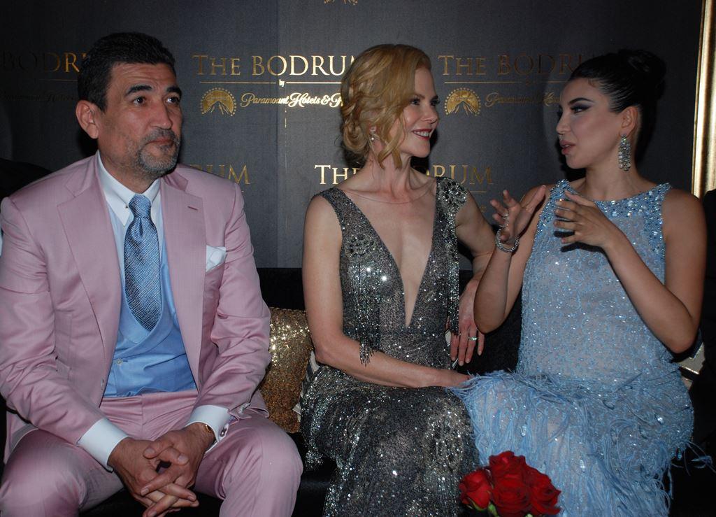 Atilla Uras'ın sahibi olduğu Paramount Hotel'e sırayla çökmüşler.