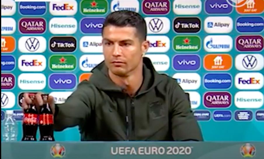 Ronaldo'nun 'Su için' tepkisi Coca Cola'ya 4 Milyar Dolar kaybettirdi