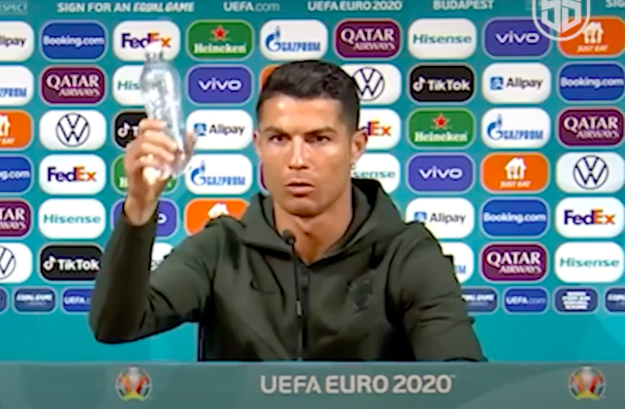 Cristiano Ronaldo, Coca Cola değil su için