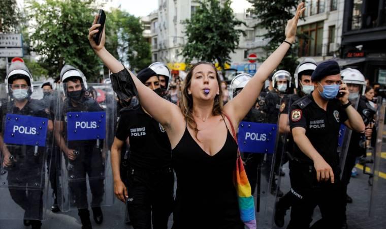 Madonna onur yürüyüşünü paylaşarak sordu: Neden bu kadar çok polis var?