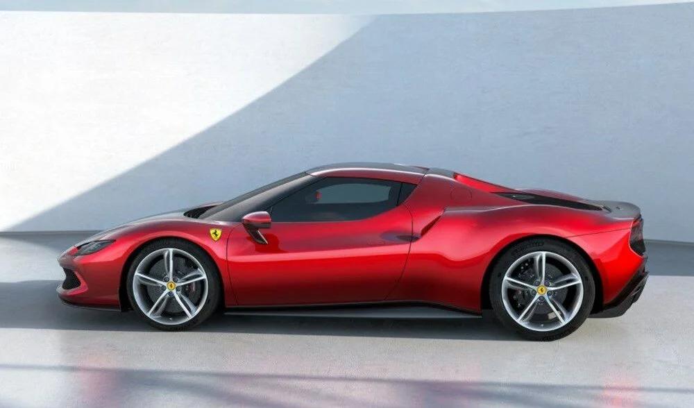 Ferrari 296 GTB, Türkiye'de tanıtıldı