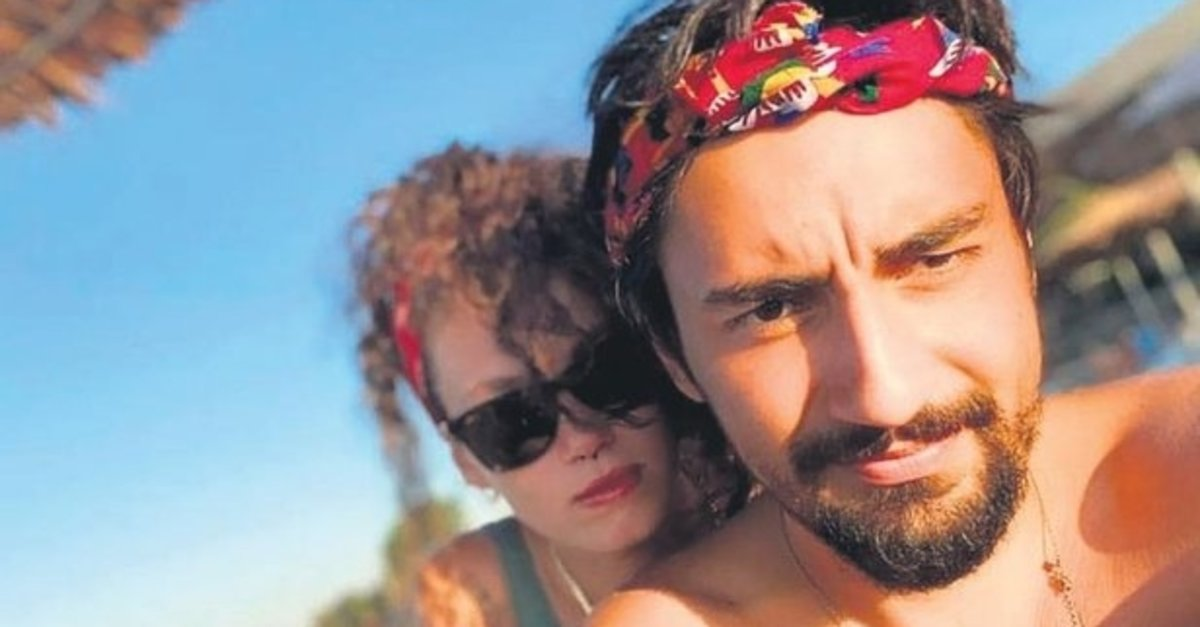 Serenay Sarıkaya ve Umut Evirgen aşk yaşadığı iddia edildi.