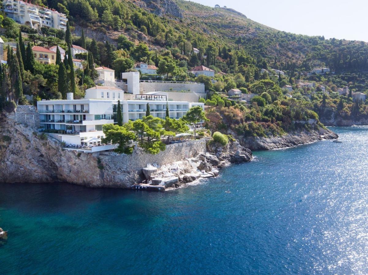 Ferit Şahenk, Hırvatistan'daki ünlü oteli Villa Dubrovnik'i devretti.