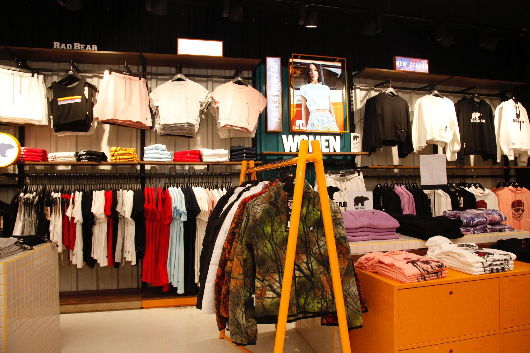 Bad Bear'ın ilk fiziksel mağazası Marmara Forum'da açıldı.