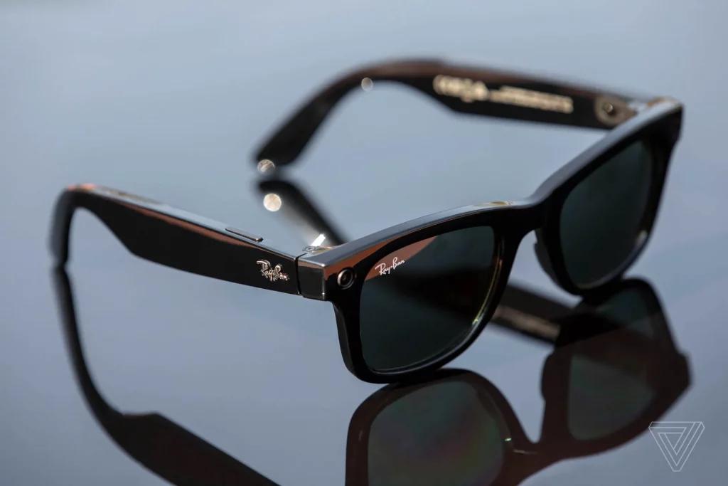 Facebook'un akıllı gözlüğü Ray-Ban Stories satışa çıktı.