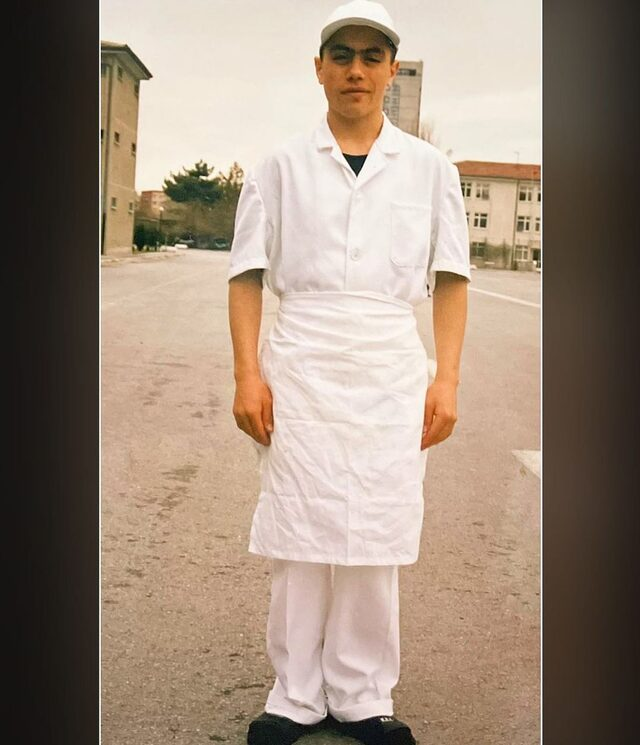 Kasap çırağı Nusret, 22 yıl önceki fotoğrafını paylaştı