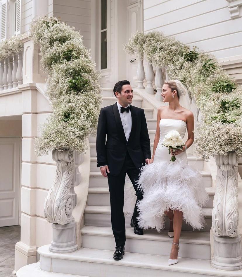 Hacı Sabancı ve Nazlı Kayı, sürpriz nikahla evlendi.
